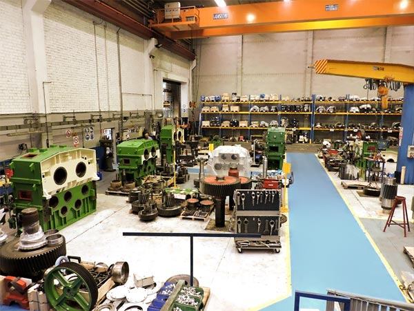 An internal view of the factory and of the assembly area