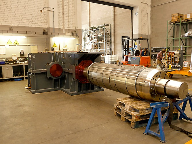 A 25000 Kg gearbox for rolling mill reel